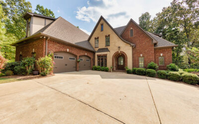 829 Crown Circle, Hoover, AL. 35242